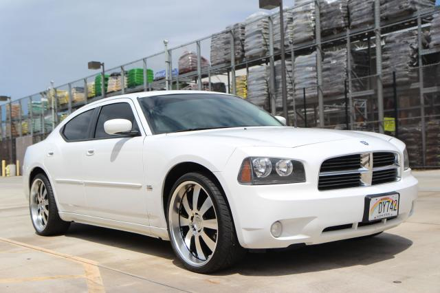 Autoland :: 2010 DODGE CHARGER SXT 3.5 DVD 22