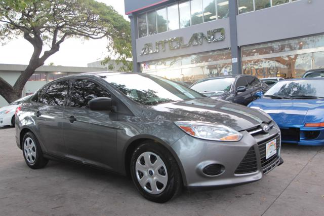 autoland :: 2012 ford focus s 26k p/w/l new tires cold a/c