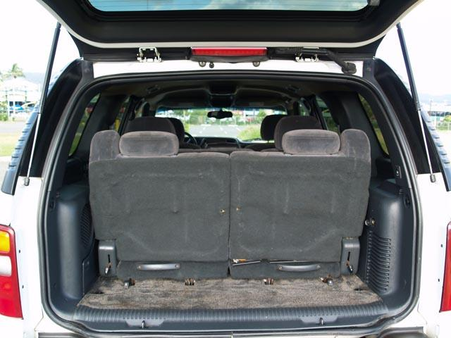 autoland 2002 chevy tahoe ls 3rd row seats a c 22. Black Bedroom Furniture Sets. Home Design Ideas