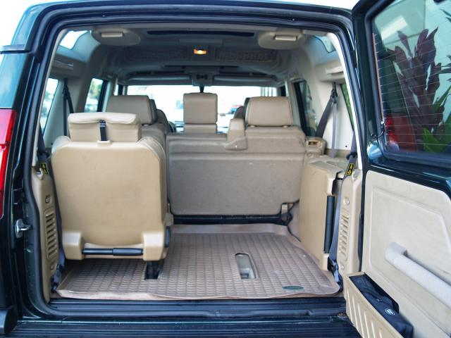 land rover with 3rd row seat autos post. Black Bedroom Furniture Sets. Home Design Ideas
